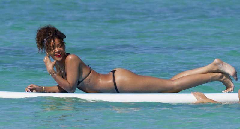 Rihanna Feet pics