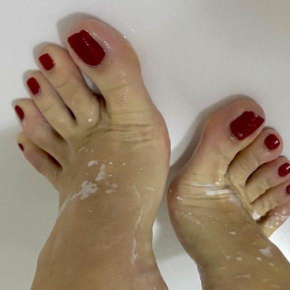 Profile photo of FeetAndToes