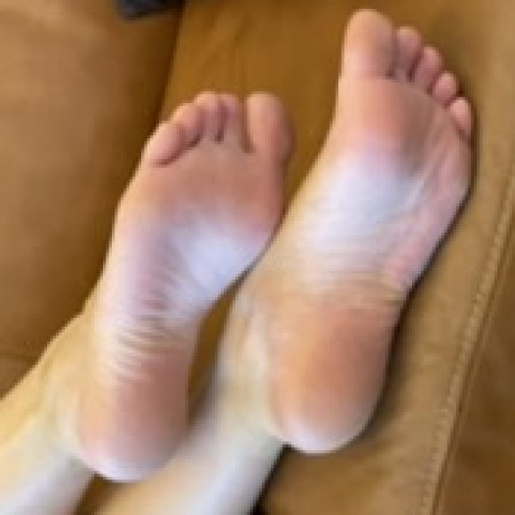 Profile photo of Cam.L.Toes